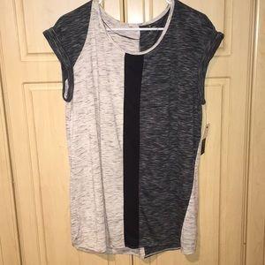 Worthington Tops - NWT Worthington sleeveless modern blouse.